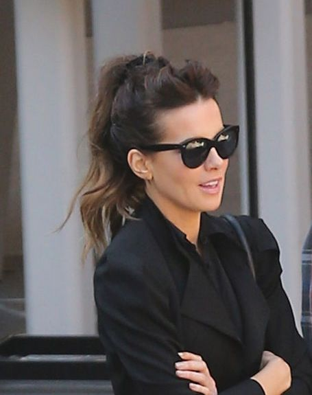 7d197123118 Kate Beckinsale in Oliver Goldsmith Sunglasses - Manhattan in Black ...