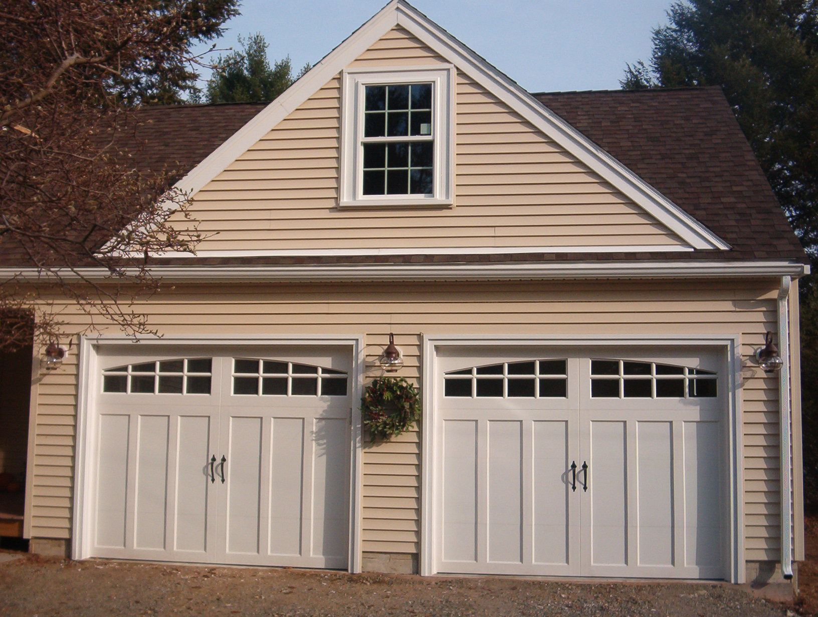 this would be the closest door match to our house color ... on Garage Door Colors Ideas  id=87649