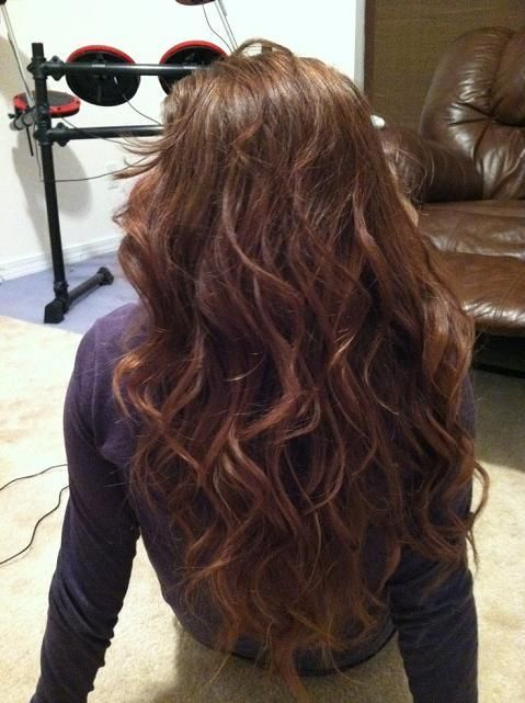 If I Ever Manage To Grow My Hair Out Long Again This Is How I Want It To Look Long Hair Perm Long Hair Waves Permed Hairstyles