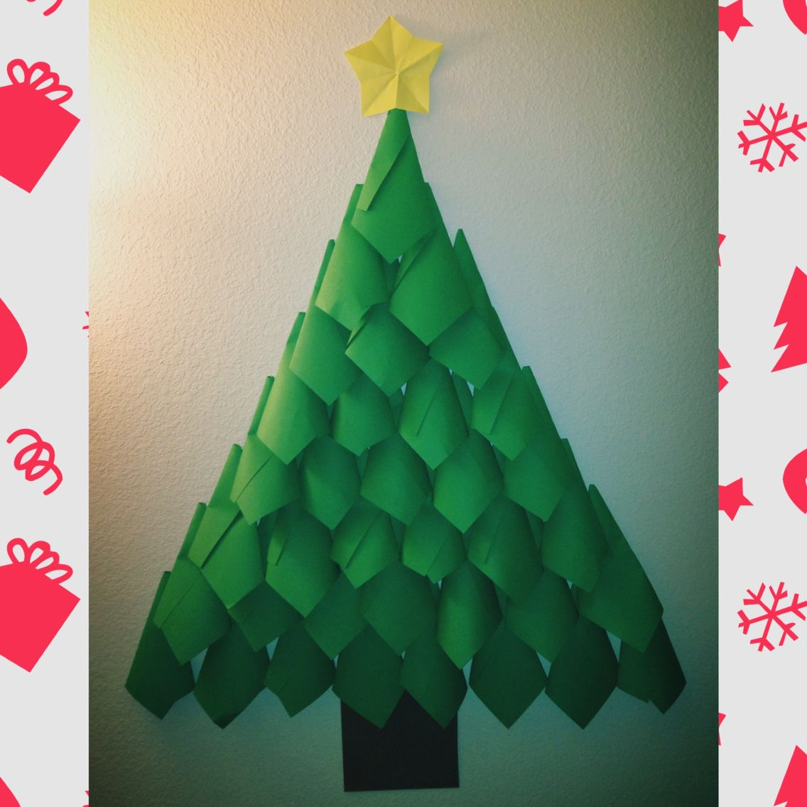 Made A Christmas Tree Completely Out Of Construction Paper Perfect For Poor College Kids L Paper Christmas Tree How To Make Christmas Tree Christmas Classroom