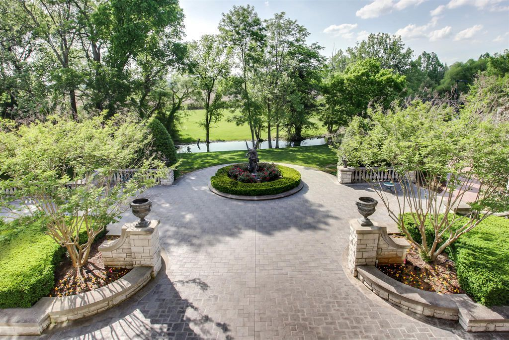 View 61 photos of this 6 bed, 13.0 bath, 23084 sqft single family ...