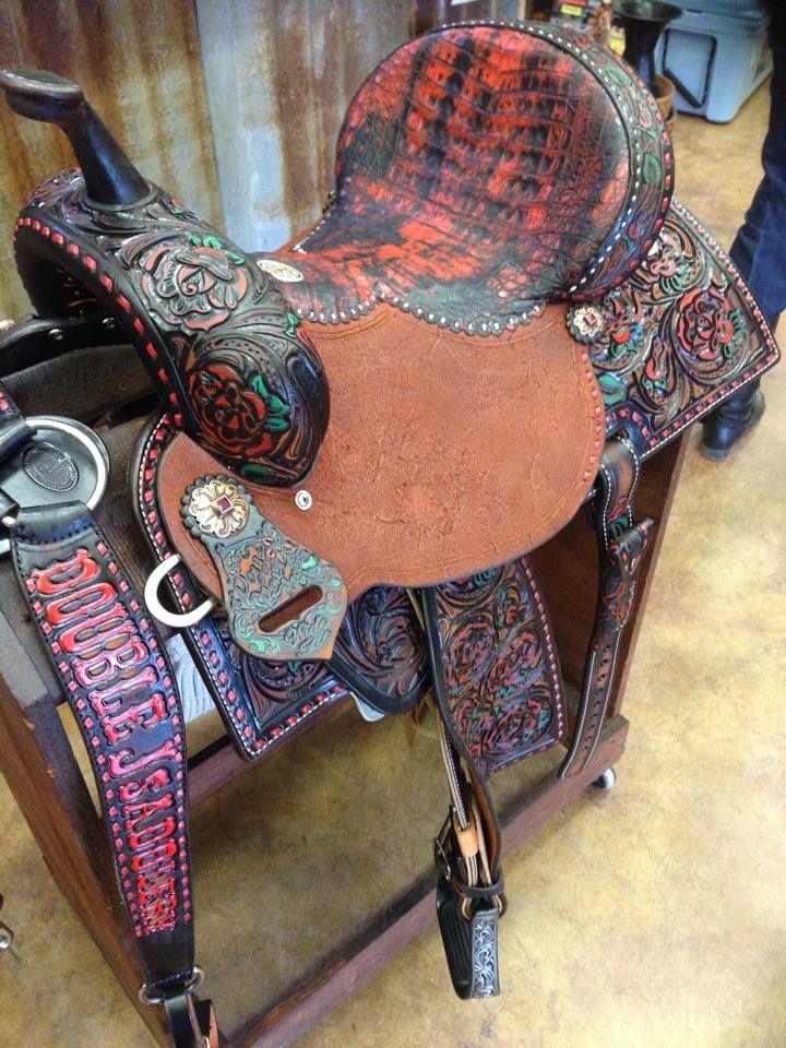 I love this saddle {Double J Saddlery} | Cowgirl Horse Tack