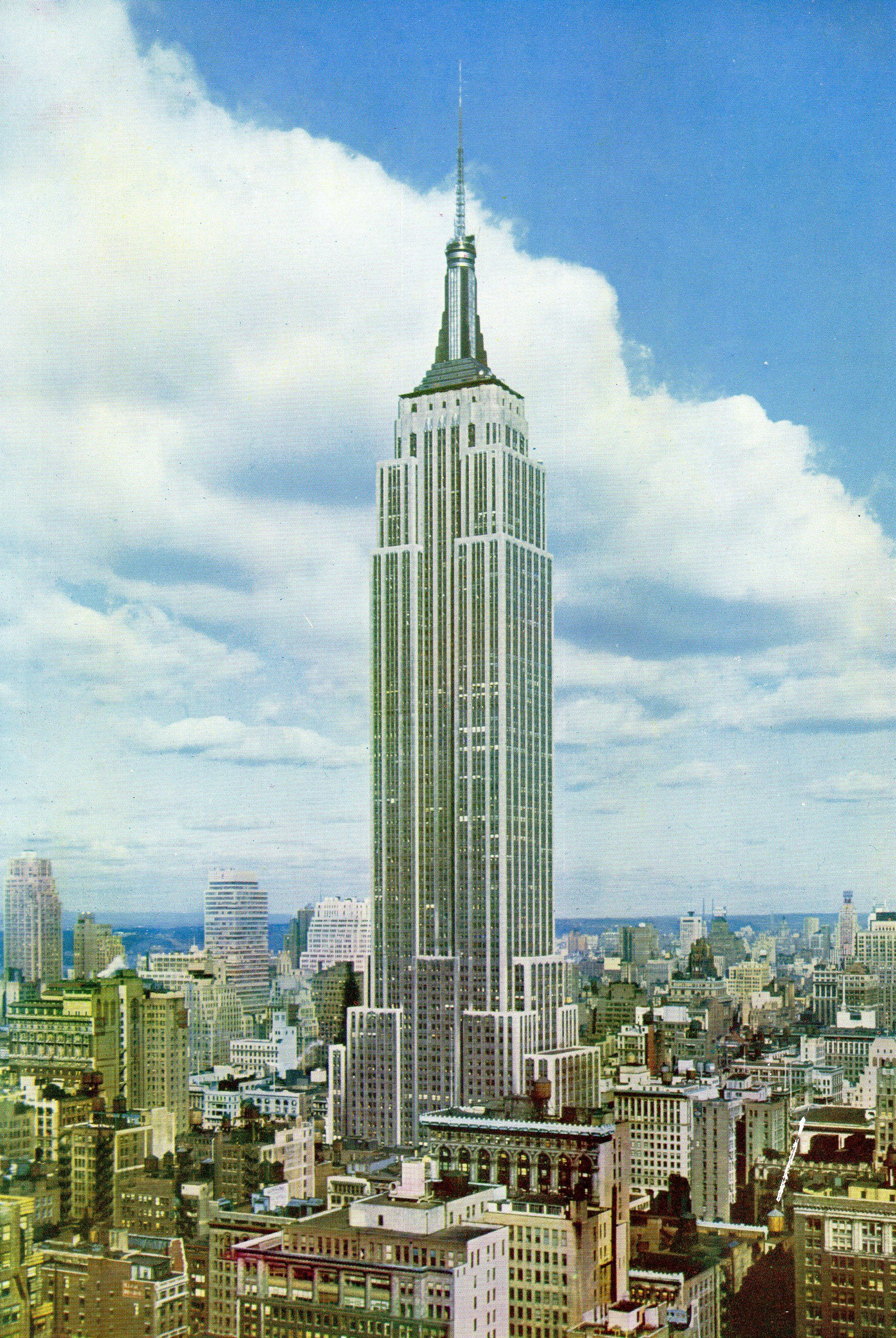 1950' Postcard Of Empire State Building York. Hagins Collection. Moms Postcards