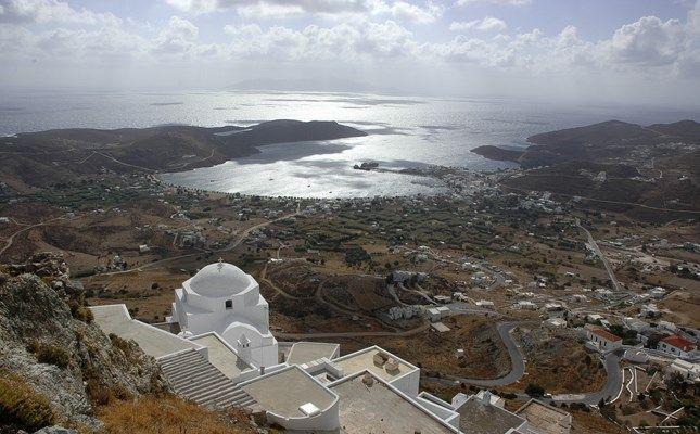 Η μαγευτική θέα από τη Χώρα στο Λιβάδι και το πέλαγος http://diakopes.in.gr/trip-ideas/article/?aid=209233 #serifos #island #aegean #greece
