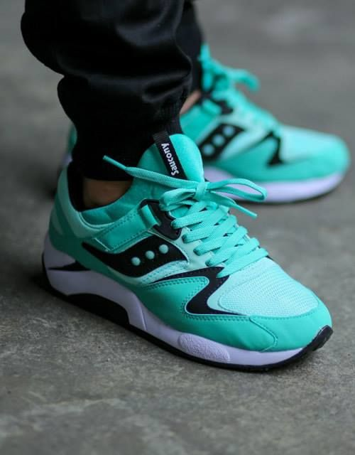 The Saucony Grid 9000