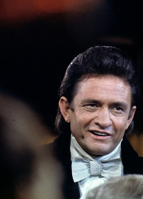 1970 performing @ The White House Thanks to Johnny Cash Infocenter