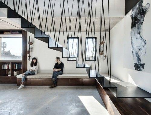 Trap In Woonkamer : In dit huis speelt de moderne trap de hoofdrol roomed