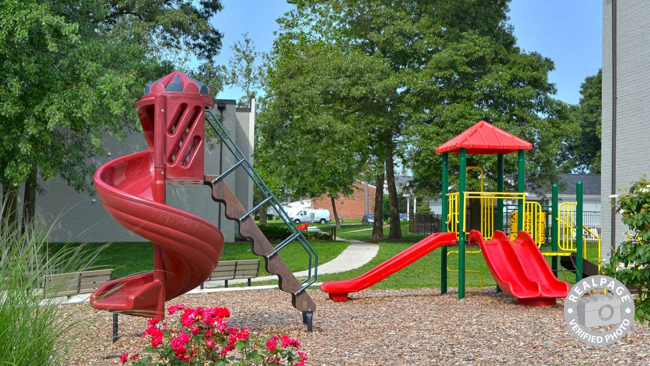 Discover The Thrill Excitement And Glee Of Living In Glenview Garden Apartments Nolpark Ct Ste 101 Glen Burnie Marylan Apartment Garden Glen Burnie Glenview