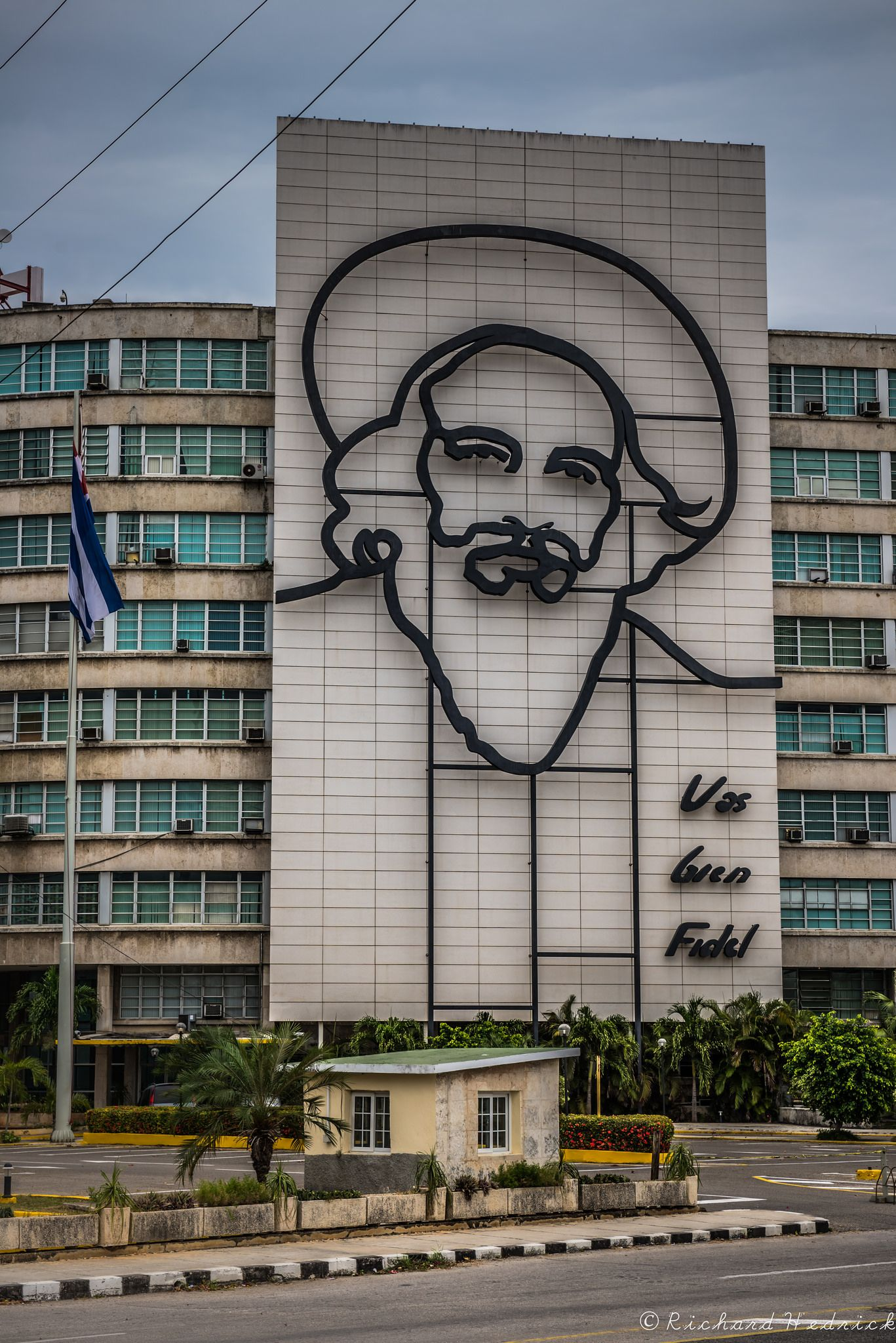 https://flic.kr/p/JqxbGF | Plaza de la Revolución | Camilo Cienfuegos, Vas Bien Fidel, You're going well, Fidel
