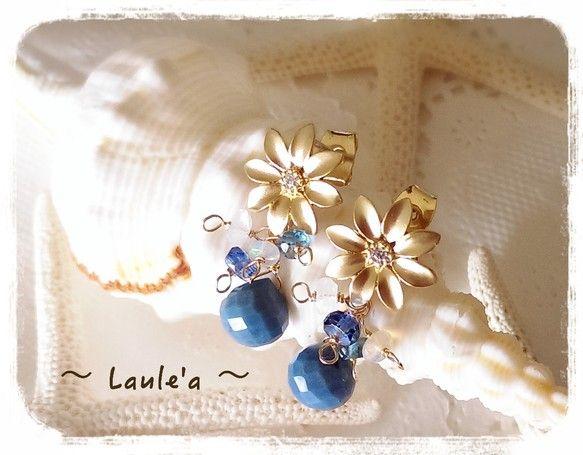 不思議なデニムブルーの海に咲く可愛い花のピアスです。(1点限り)綺麗な海に住むMermaid(マーメイド)いつも思ってた・・・マーメイドの素敵な髪飾りの花はな...|ハンドメイド、手作り、手仕事品の通販・販売・購入ならCreema。