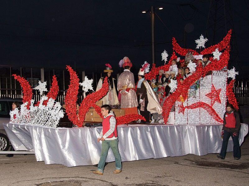 Fotos Carrozas Navidenas.Carrozas De Navidad Para Los Reyes Magos Carrozasdenavidad