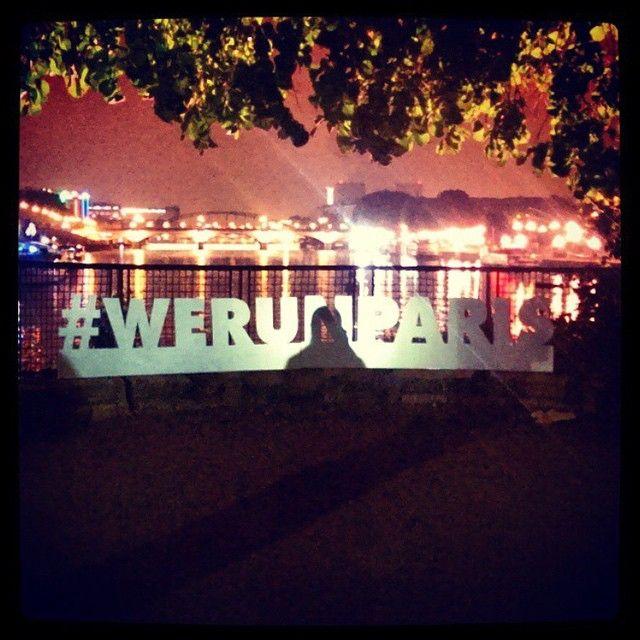 «#boostbastille à couru après le temps à la Flash Run de Nike cette nuit #werunparis #running #run75crew #flashrun #flashrunparis»
