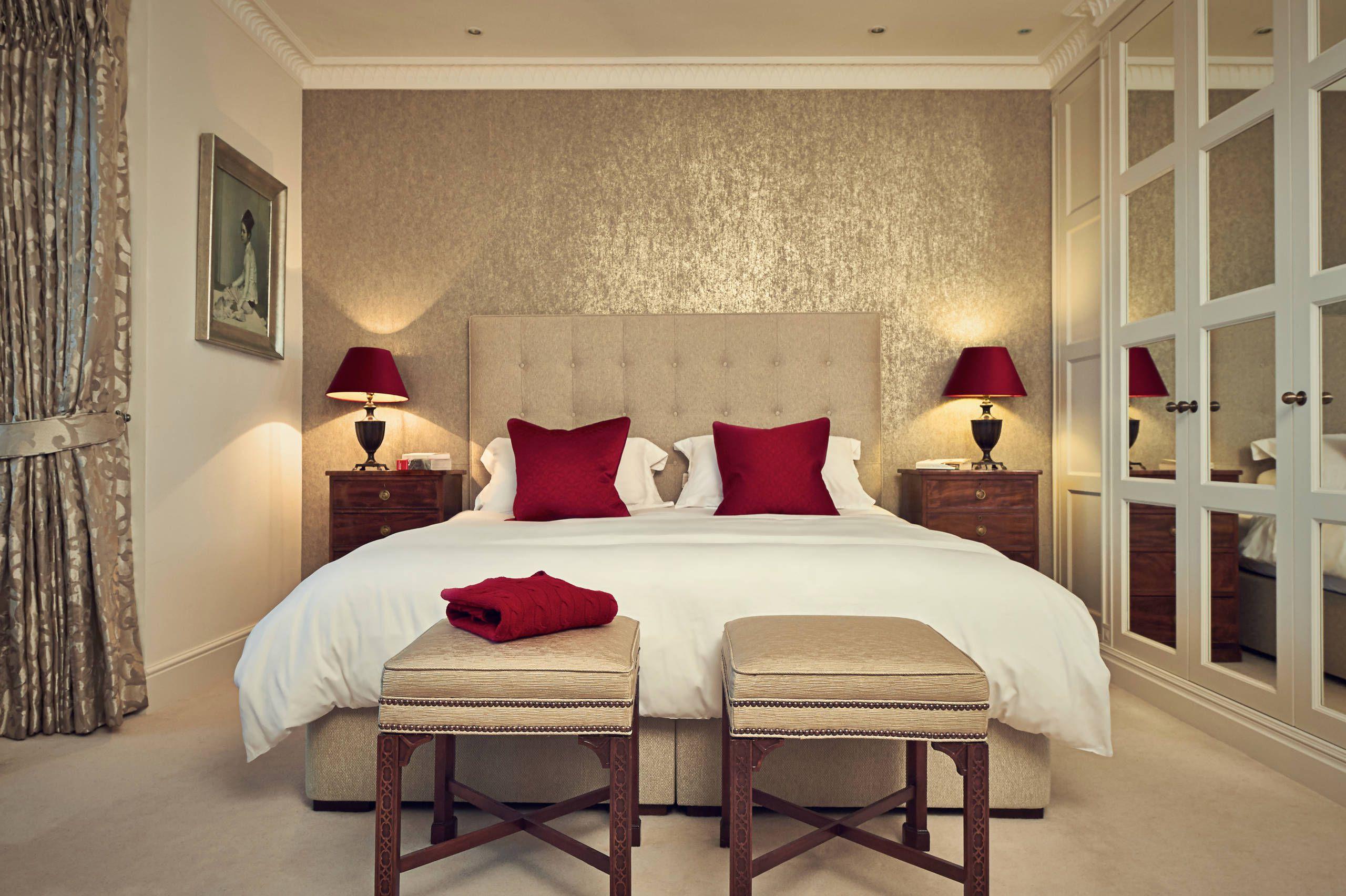 Traditional romantic master bedroom decor  Elegant Bedroom Decorating Ideas Glamorous Elegant How To Decorate A