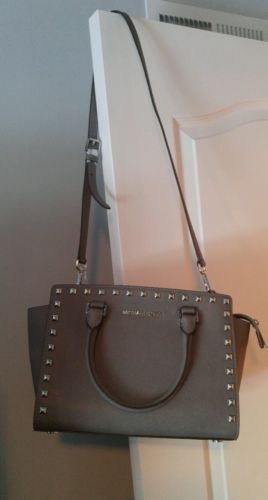 AUTH Michael Kors Purse Selma Stud Saffiano Leather Medium TZ Satchel Bag https://t.co/LyI5gWqEuY https://t.co/F7gcdlFEwl