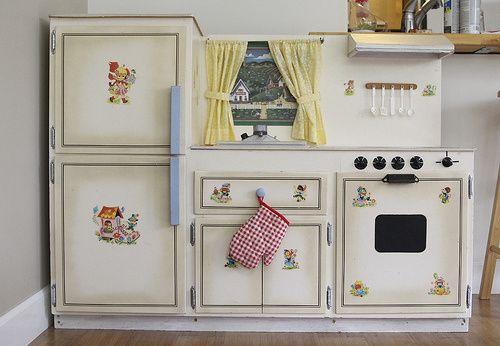 Kids Vintage Play Kitchen