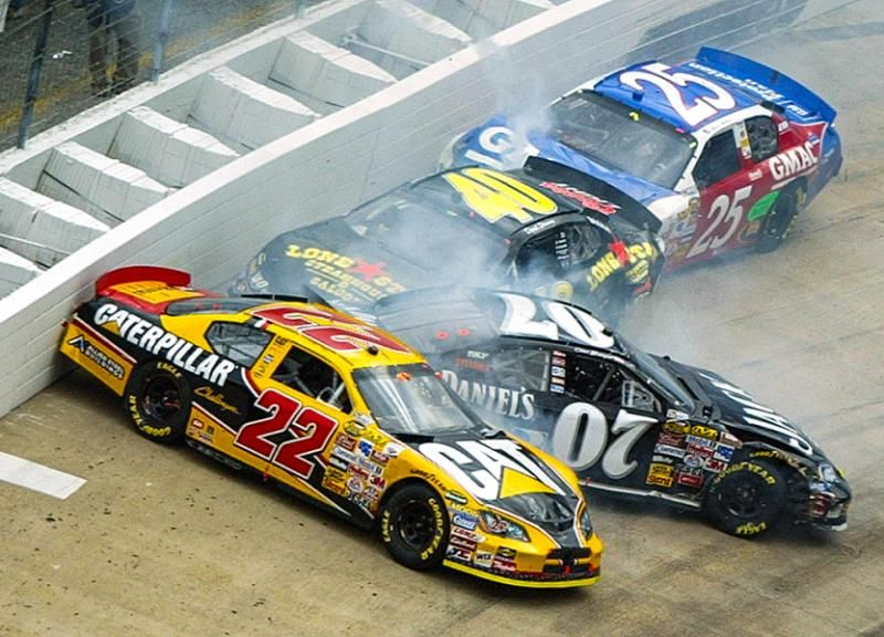 Dave Blaney (22), Clint Bowyer (07), David Stremme (40) and Brian Vickers (25) crash during the 2006 Food City 500. Small crashes quickly turn into big ones at Bristol.