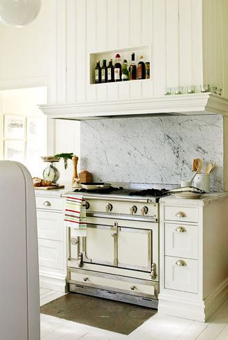Antique white La Cornue Chateau 120 and carrera marble | Spaces ...