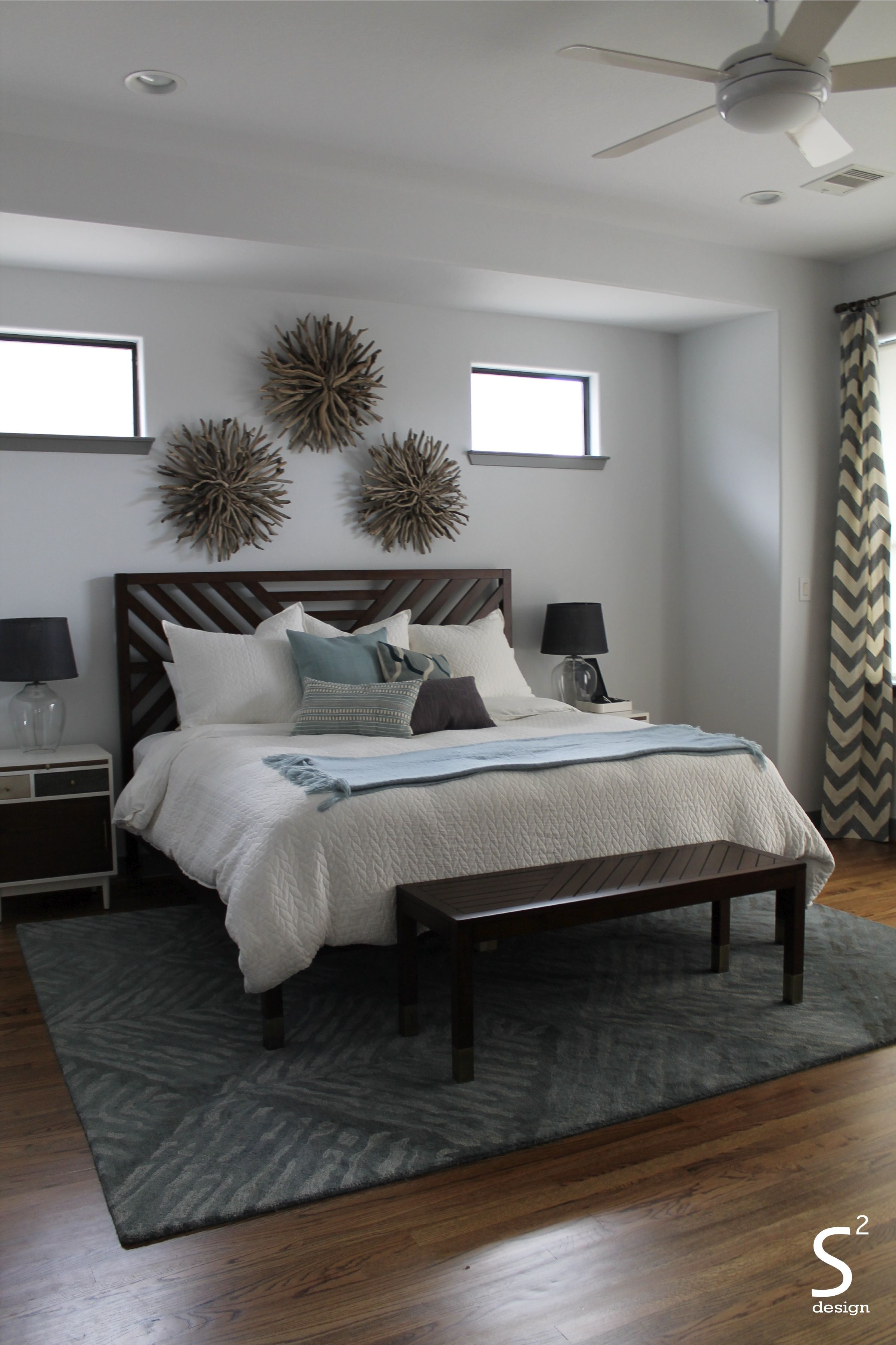 houston heights midcentury modern living room blue rug blue  - houston heights midcentury modern living room blue rug blue accentswhite organic bedding