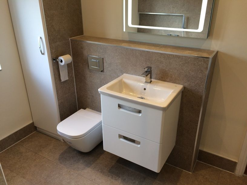 bathroom with wall hung toilet uk - Google Search | Bathroom ...