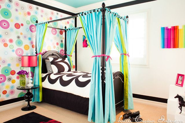 Beautiful-Girls-Bedroom-Ideas-with-Small-Bedding-Style-with-Blue-and-Green-Curtain-Design-for-Platform-Bed-Decorated-with-Colorful-Wall-Deco...