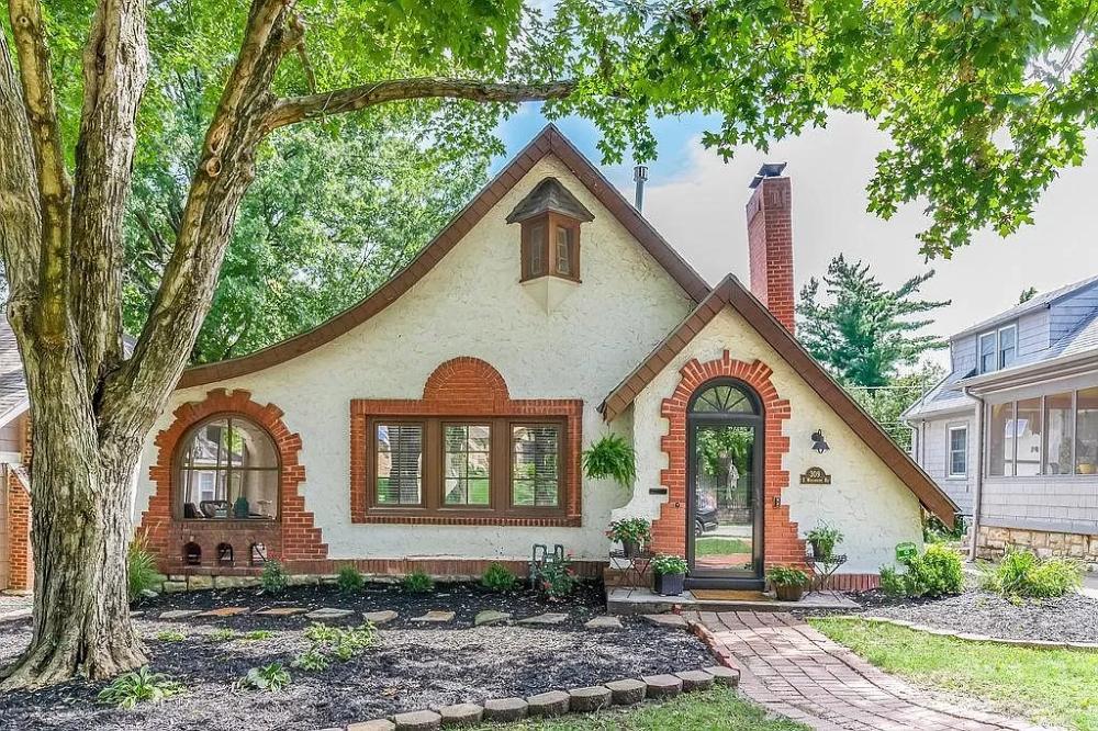 309 E Winthrope Rd Kansas City Mo 64113 Kansas City Real Estate Overland Park Kansas Tudor House