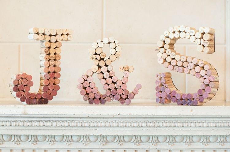 Korken für eine Deko aus Buchstaben | Wine corks | Pinterest ...