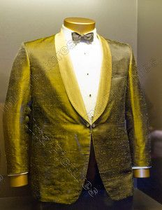 Auric Goldfinger's golden dinner jacket,Goldfinger,1964,Designing 007,exposition,Barbican,London
