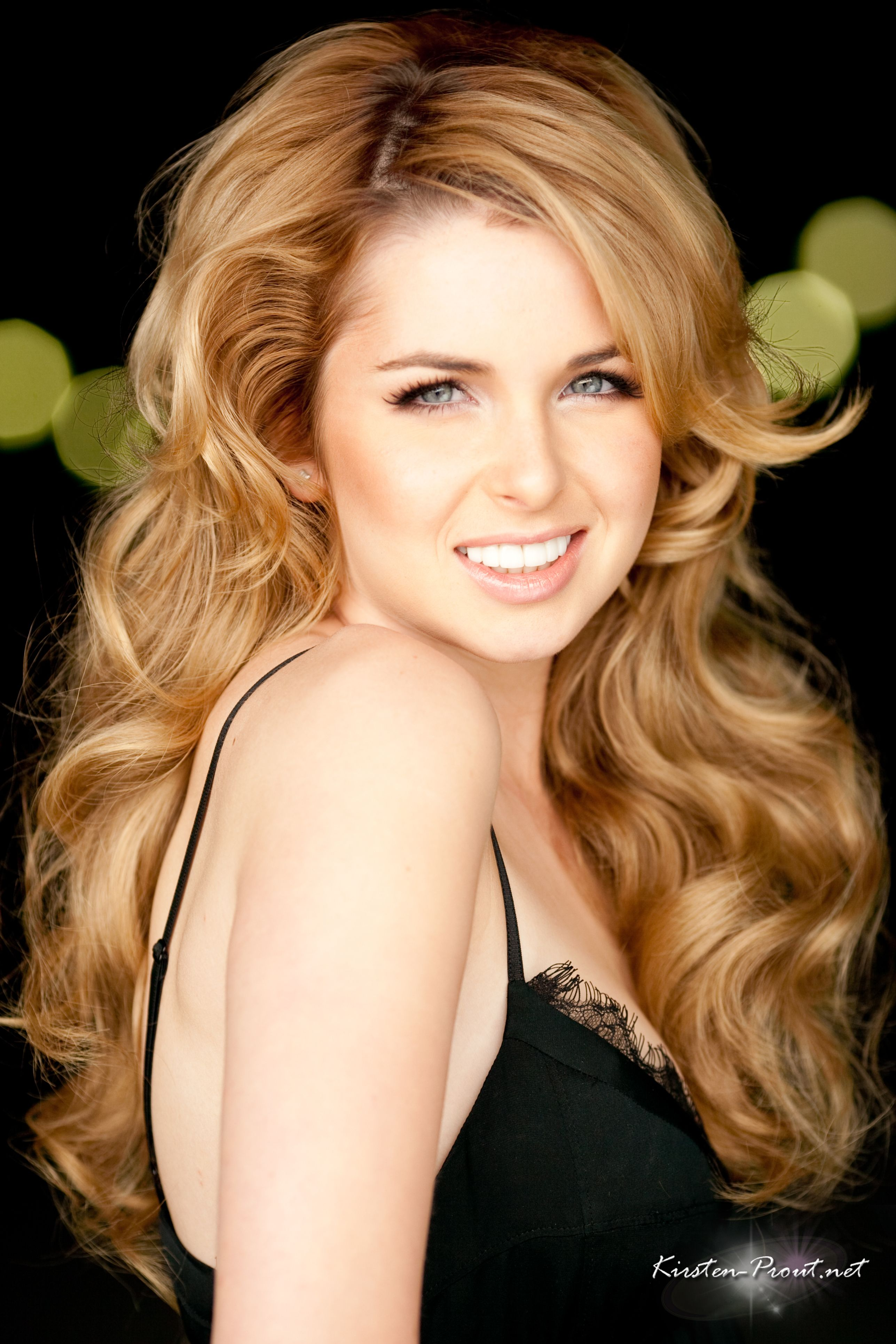 Kirsten Prout Nude Photos 6