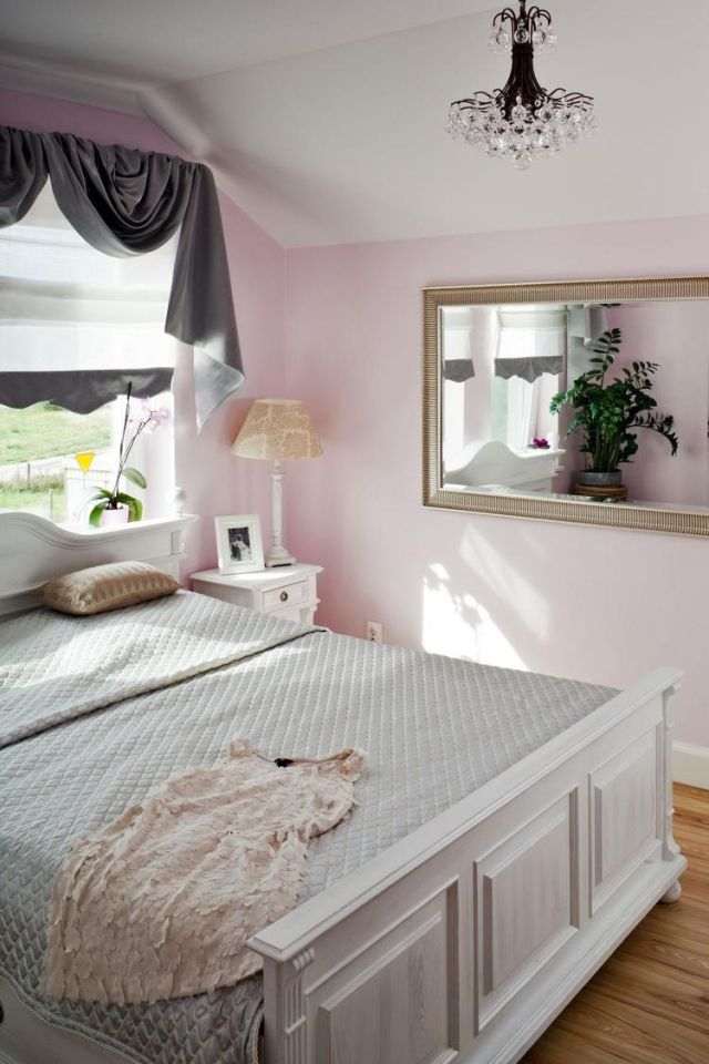 Farbgestaltung Im Schlafzimmer  Ideen Rosa Wandfarbe Weisses Bett Dachschraege