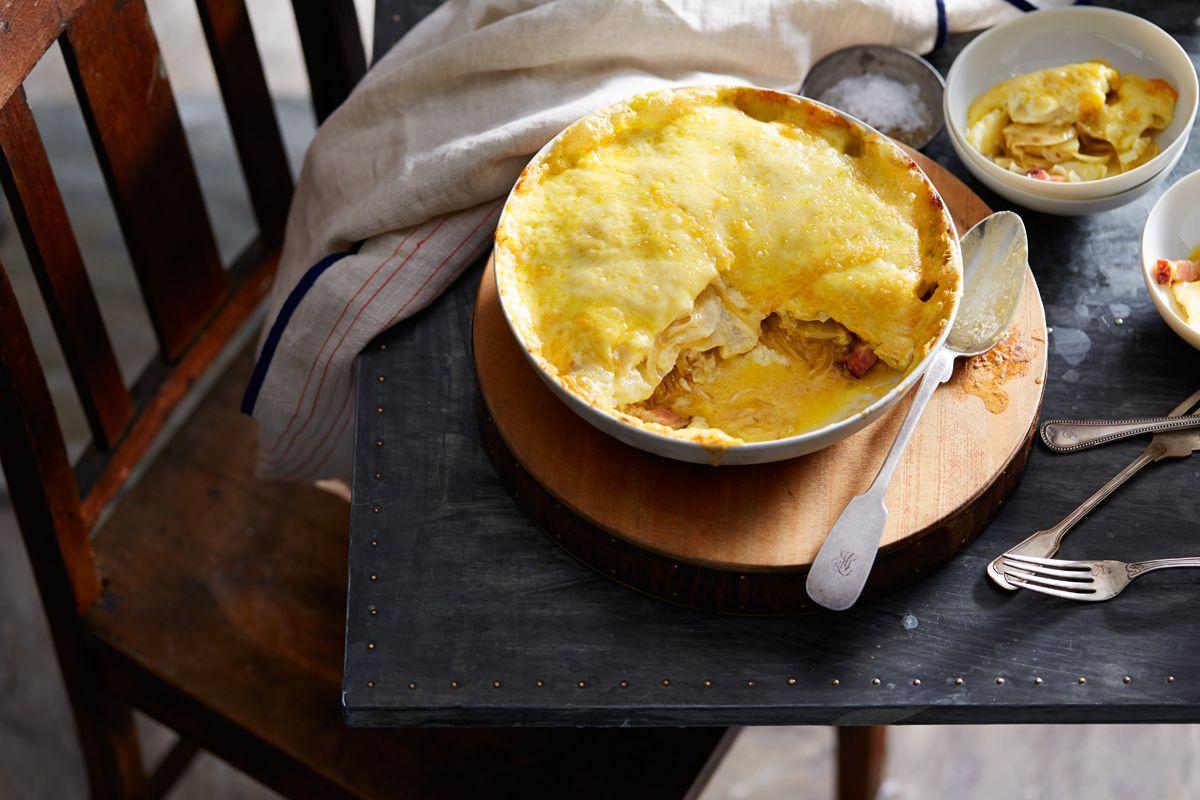 Potato and reblochon cheese gratin (tartiflette au reblochon)!