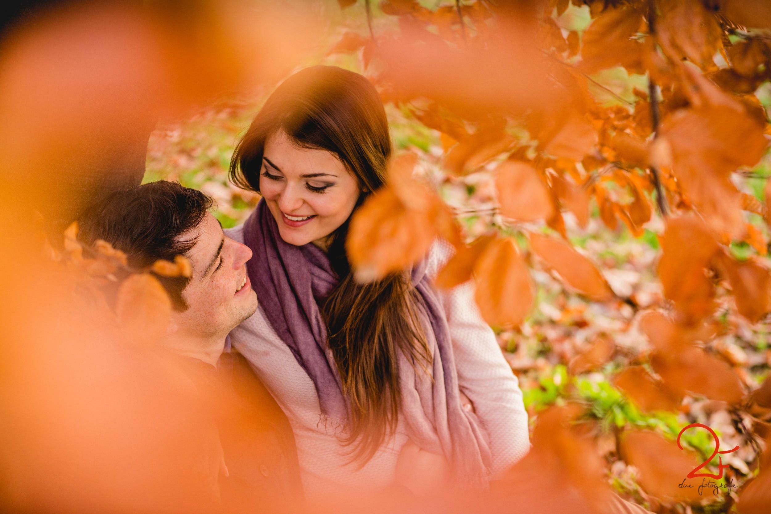 Engagement in autumn | Engagement photo inspiration | Due Fotografe | Italian wedding photographer