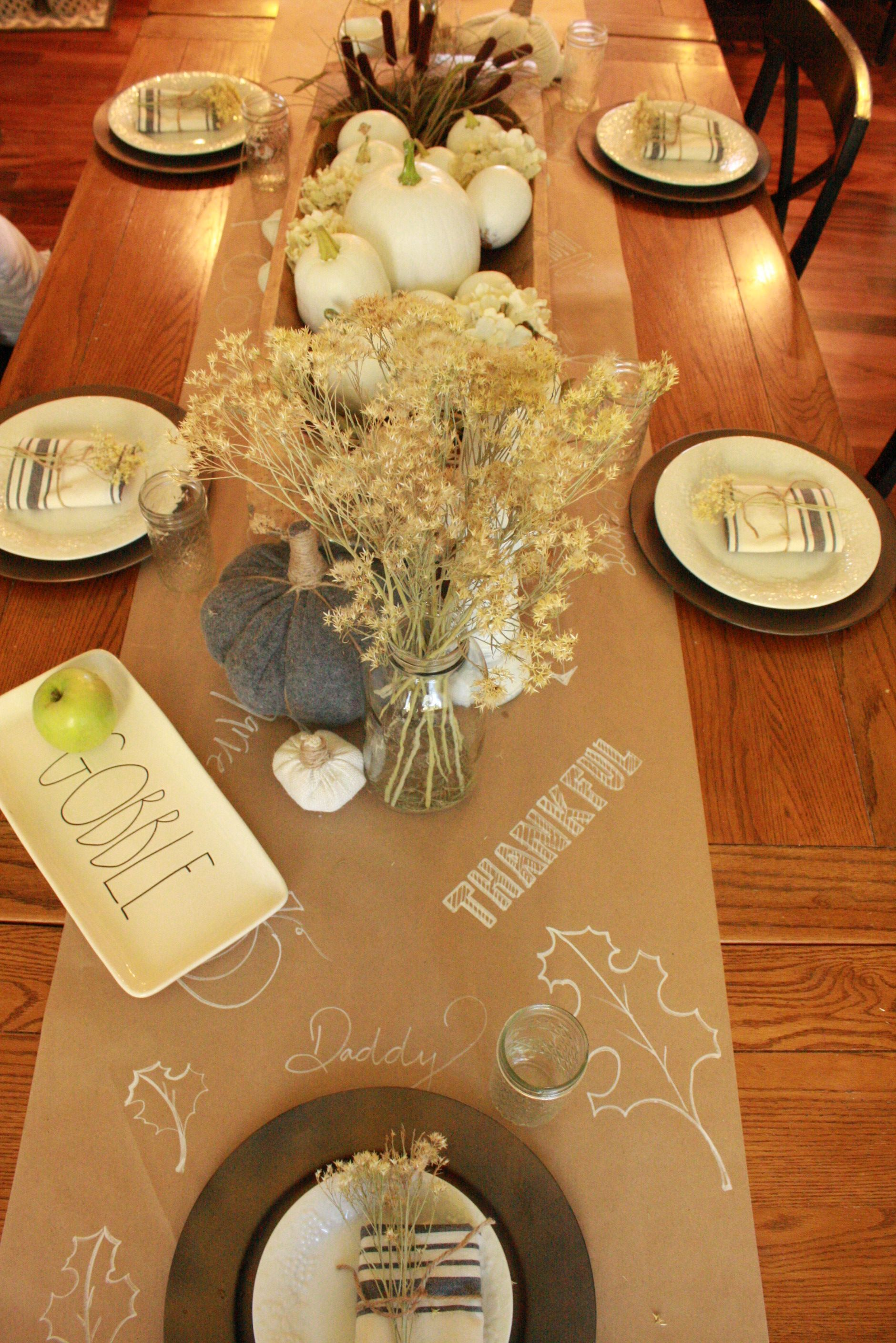 Don\'t you just love this fun, interactive table setting? #decor ...