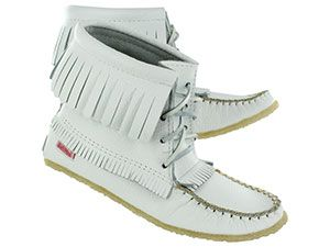 SoftMoc white fringe bootie moccasins I wannnnt!