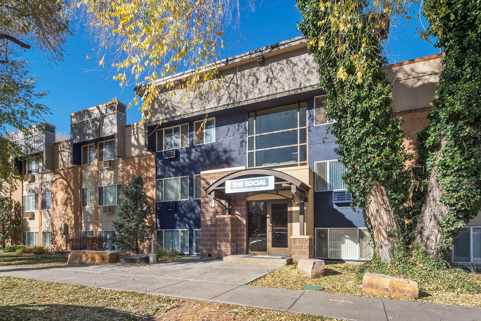 Welcome Home The Social At Stadium Walk Provides Easy Access To Campus And Nearby Old Town Fort Collins And Is Student Apartment Community Park Student Living