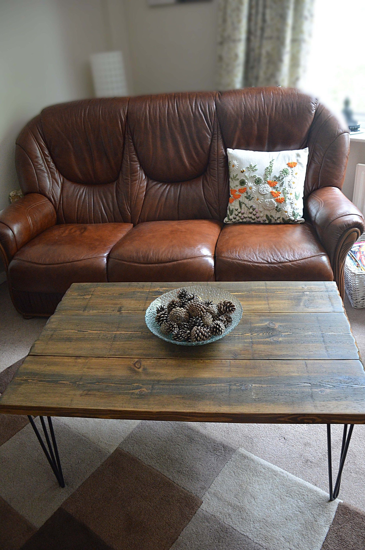 Country Cottage Dark Oak Stain Reclaimed Wood Slab Top Style Etsy Reclaimed Wood Coffee Table Oak Stain Wood Slab [ 3000 x 1987 Pixel ]