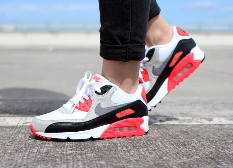 save off c6089 9ba5e Nike Air Max 90 OG Infrare on feet look | Nike in 2019 ...