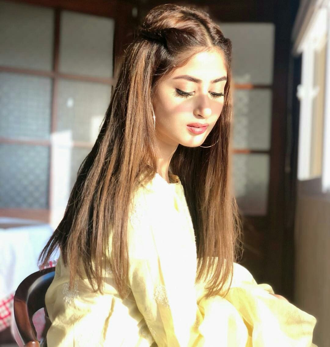 Download Saree With Hair Style Pakistani Gif