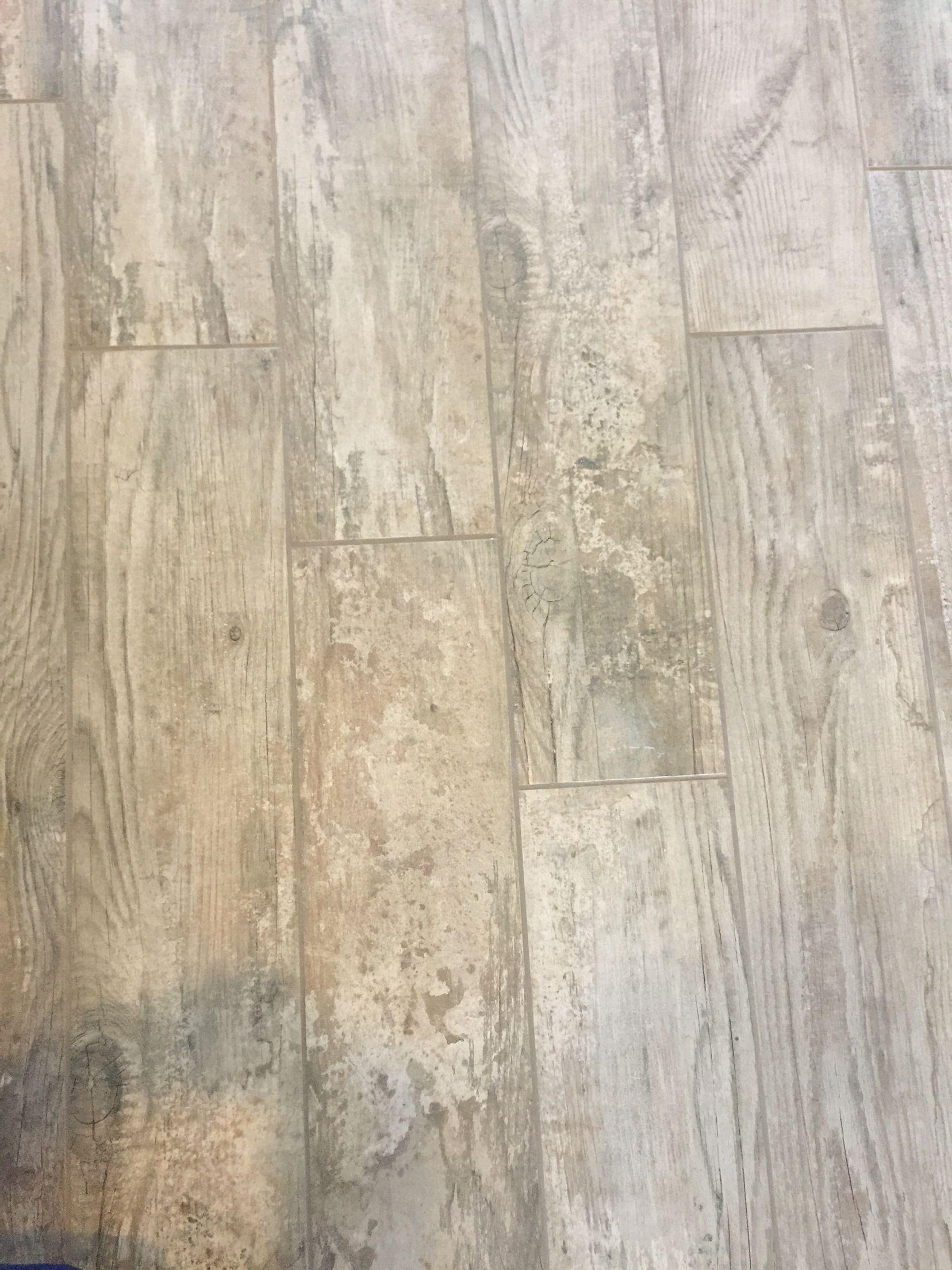 Las vegas dr horton adhara cove wood look tile floor dream home las vegas dr horton adhara cove wood look tile floor tyukafo