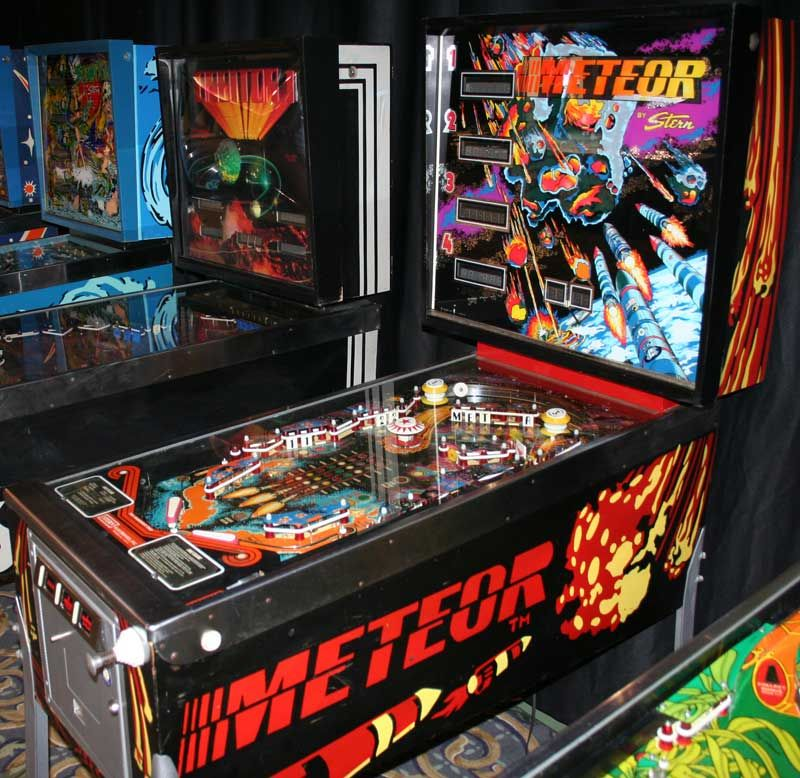 Stern Meteor Pinball 1979 Spent A Lot Of Time On These Keith The Owner Of The Laundry Was Great At Repairing Them Hi Pinball Arcade Machine Pinball Game