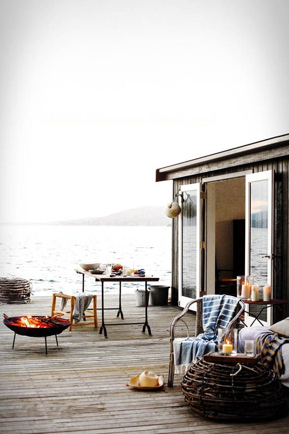 Satellite Island - where you can book your own private Tasmanian getaway equipped with GORGEOUS interior spaces.