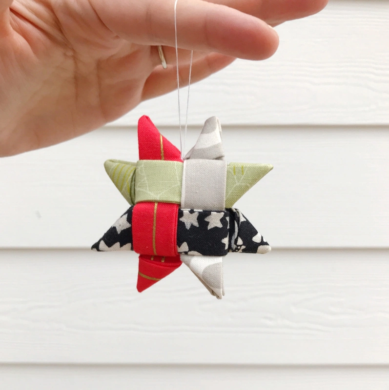 Scandinavian Star Ornaments Photo Tutorial In 2020 Diy Christmas Ornaments Photo Christmas Ornaments Christmas Fabric Crafts