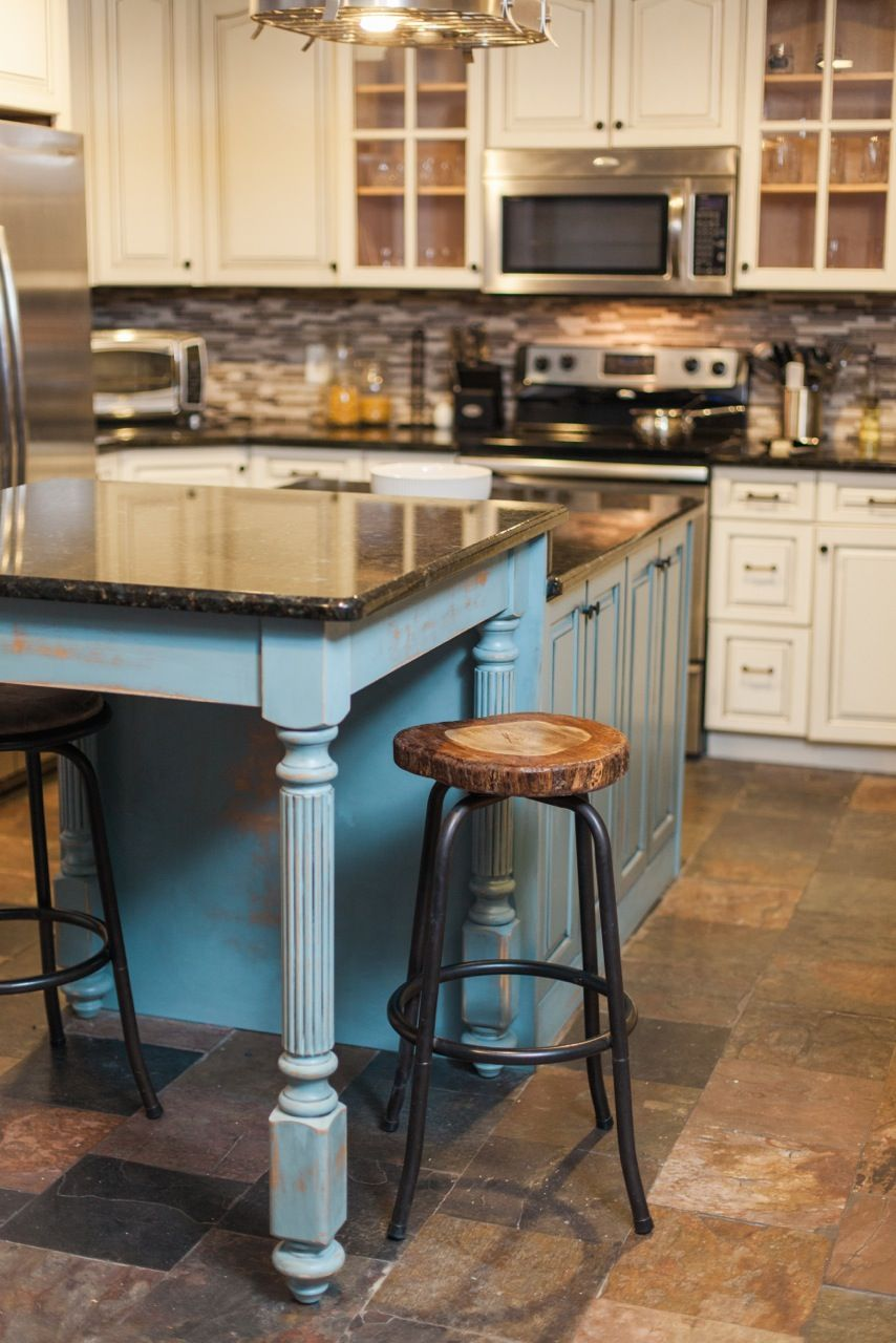 As Many Of You Know My Husband And I Are Photographers And Recently Have Started Doing Real Estate Rustic Country Kitchens Country Kitchen Kitchen Bar Stools