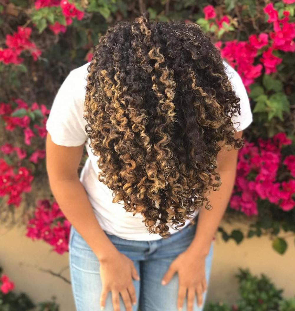 Pintura Highlights The Best Color Technique For Curly Hair