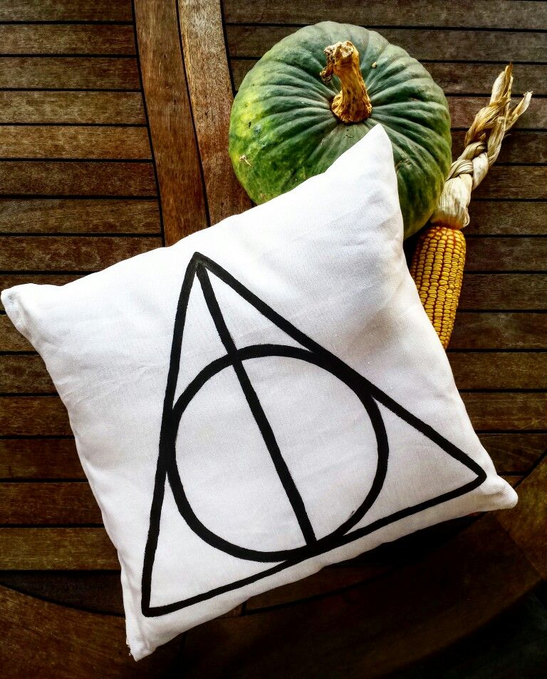 Handmade pillow Black and White. Painted with watercolor.  Harry Potter  pillow!...