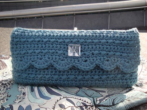 Crochet Clutch Lace Pattern : ... Crochet Clutch on Pinterest Crochet clutch pattern, Clutch pattern