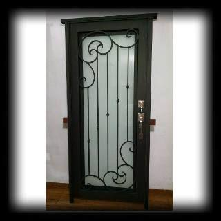 Puerta principal de herreria forja cadena 13 for Puertas principales de herreria elegantes