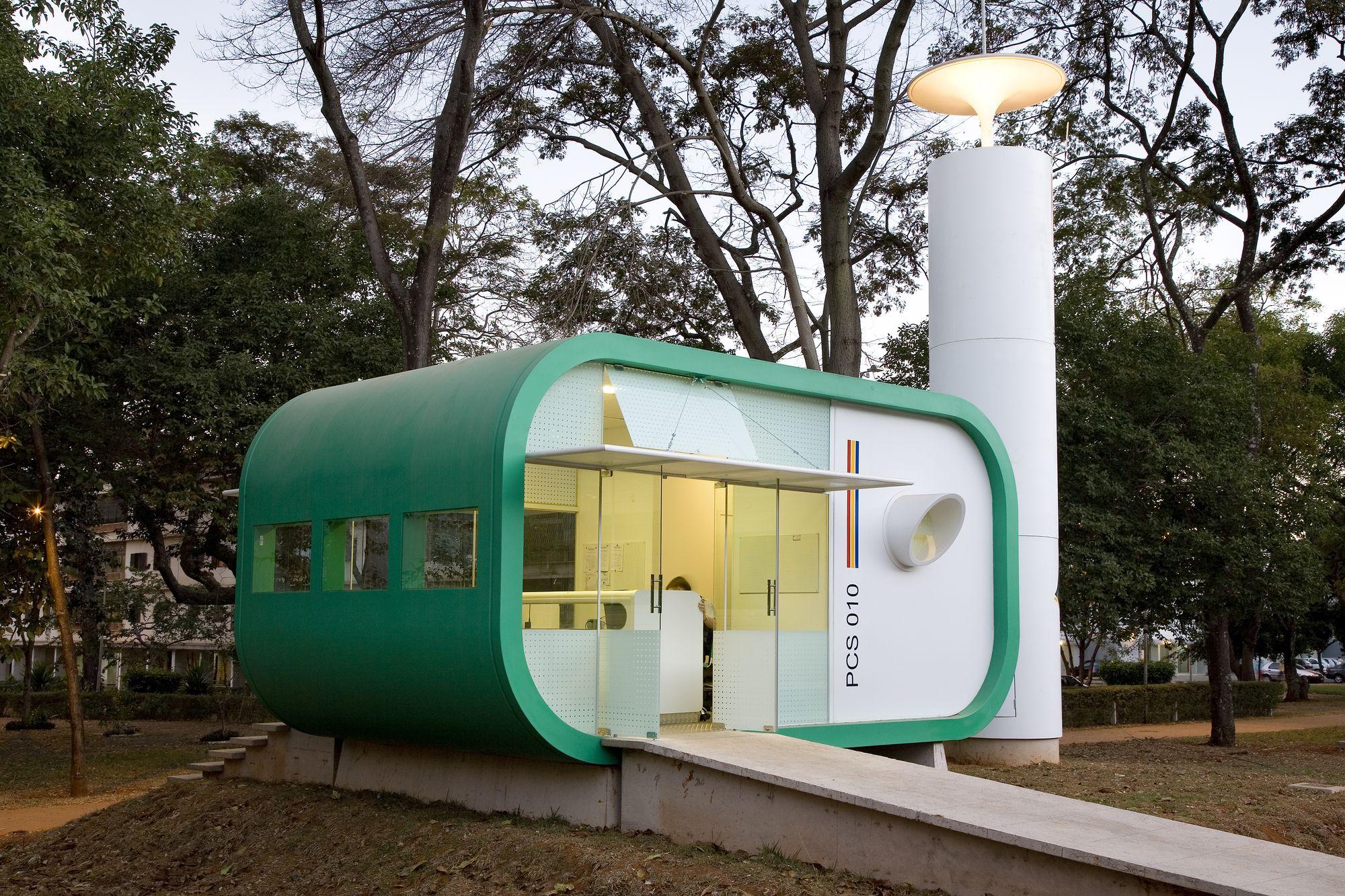 Construído na 2007 na Brasília, Brasil. Imagens do Haruo Mikami, Rodrigo Biavati…
