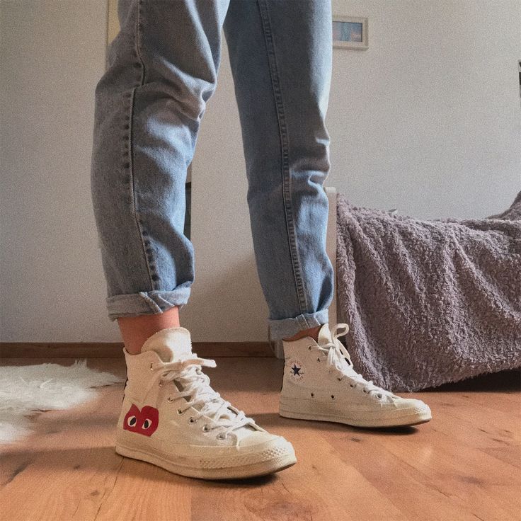 Converse comme des garçons | Converse outfits, Weiße