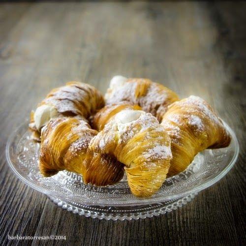Le sfogliatelle napoletane - sfogliatelle ricce - e buon compleanno Babs