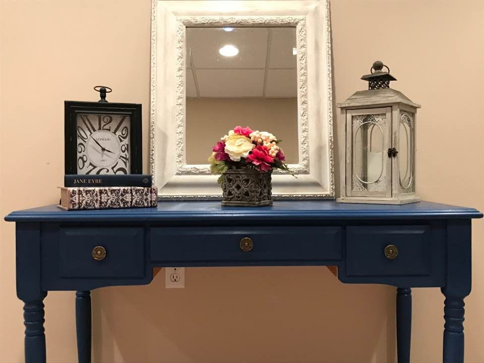 Entry Table Done In Annie Sloan Chalk Paint In Napoleonic Blue Furniture Makeover Diy Entry Table Furniture Makeover